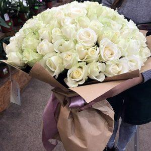 букет 101 белая роза в Мариуполе