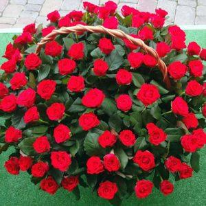 101 красная роза в корзине к юбилею в Мариуполе