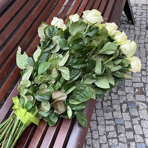букет белых роз в Мариуполе