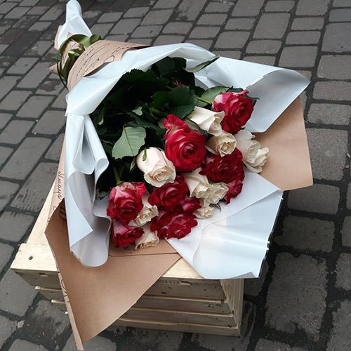 букет роз с доставкой в Мариуполе