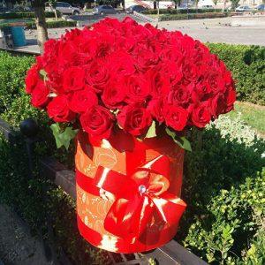 101 красная роза в коробке фото