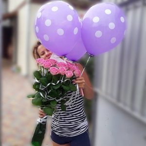 11 ярко-розовых роз в Мариуполе фото
