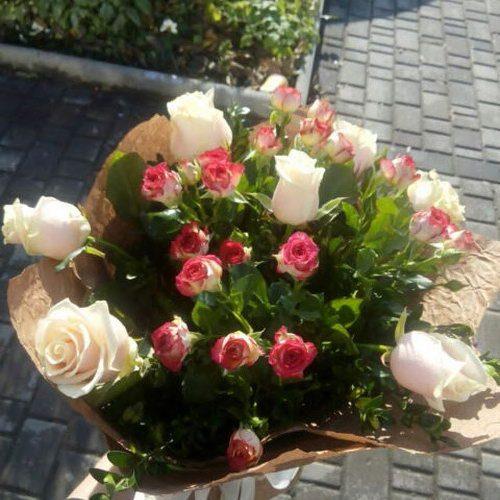 розы и эустомы в мариуполе фото