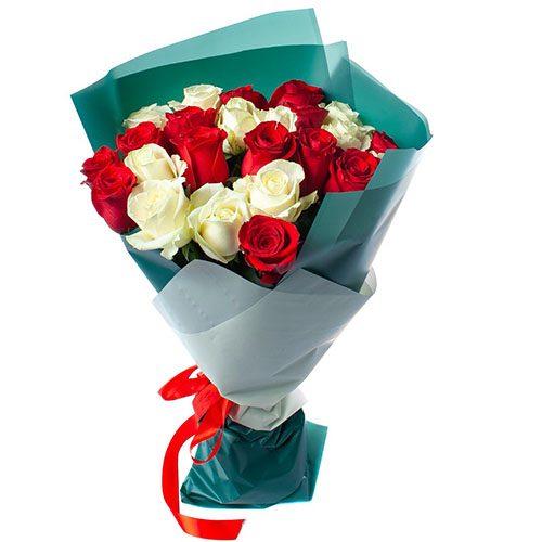 Фото товара 25 роз красных и белых