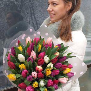 Большой букет тюльпанов в Мариуполе